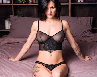 Milfs in black bra and black lingerie
