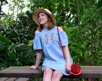 3750a5f16bdfb3 Alice Cold Shoulder Embroidered Chambray Dress