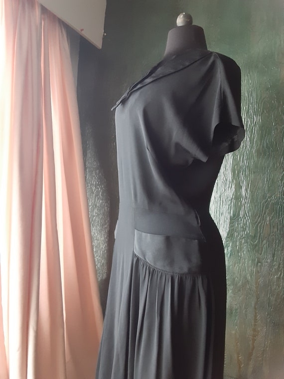 1930s 1940s crepe black short sleeve drop waist Vi