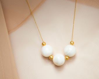 Mother of Pearl and Gold Beads Necklace