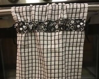 Black & White Dish Towel Set