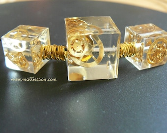The time captured.... Gears Cube Necklace