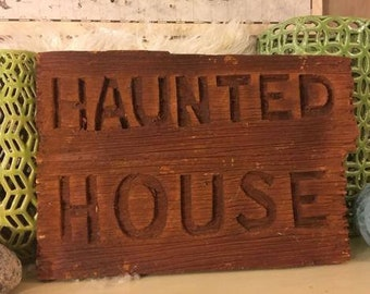 Halloween Haunted House Sign