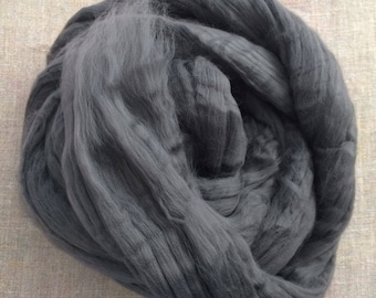 Black Charcoal Dyed Bamboo Roving Vegan Fiber 100 gr Spin Flora plant fibre combed top viscose doll hair needlefelt spinning Free Shipping