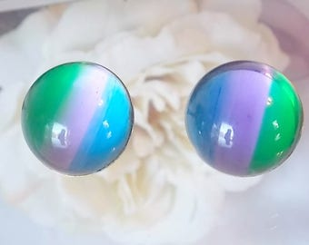 Lisner Lucite bubble earrings, MCM, 1960s vintage fashion, Mad Med fashion, Vintage earrings
