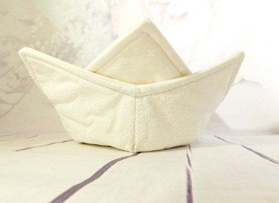 White Microwave Bowl cozy| Soup bowl cozy| Reversible bowl cozy| quilted bowl cozy| microwaveable safe bowl cozy| set of 2