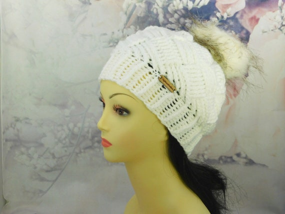 Winter white hat| Basket weave| Beanie| with Pom pom| 6-10 yr old