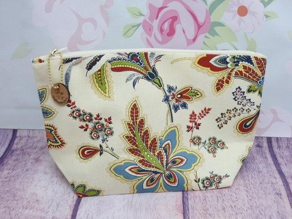 Floral Cosmetic bag| accessories bag| makeup bag| Travel bag| 8 1/2 x 6 1/2 inches