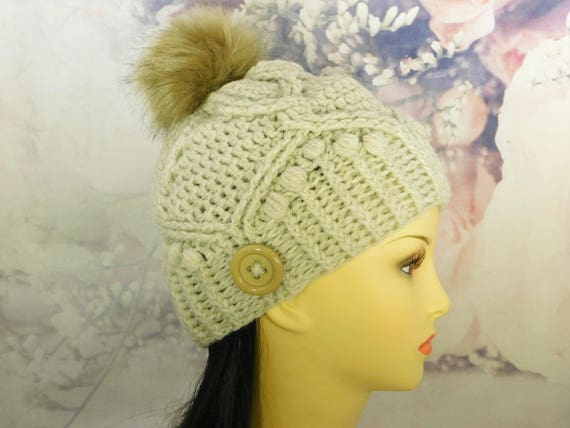 Crochet Beige Hat| Beige Beanie| Crochet Hat| w/removable Pom Pom