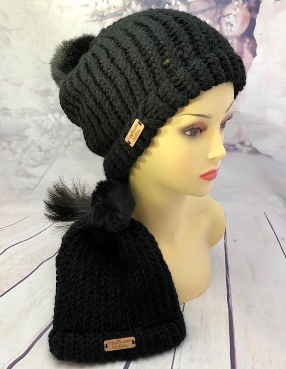 Black Mommy and me set| Matching beanie set| Crochet mom and baby| Faux pom pom beanie set| white with black pom pom
