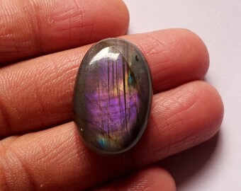 Purple Labradorite Cabochon Size 34*17*7mm Oval Shape Loose Gemstone Jewellery Gemstone 34Cts Purple Flashy Labradorite Gemstone