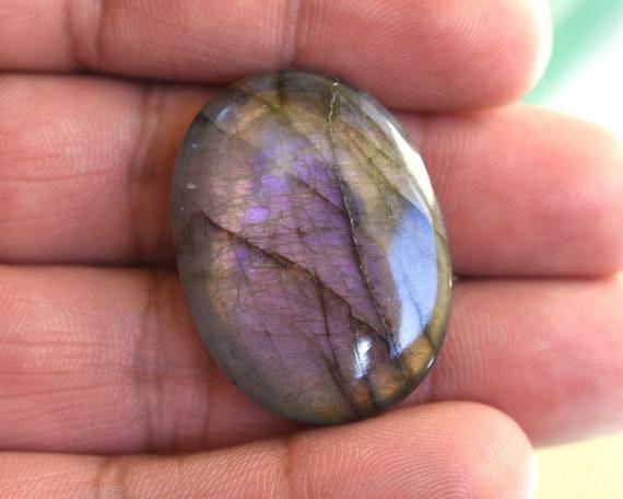 Rare violet Labradorite Cabochon, de forme ovale Flashy naturel violet Flashy ovale violet Labradorite pierres précieuses, concepteur Cabochons, 54Cts grande taille 33 * 25 * 8 mm 627ee6