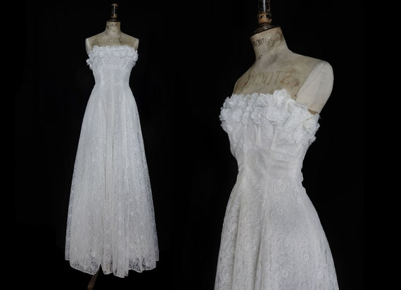 1940s Corseted White Lace Strapless Dress