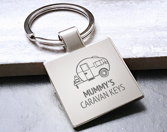Personalised MUM, MUMMY caravan keyring square metal keychain gift - 5580CVAN2