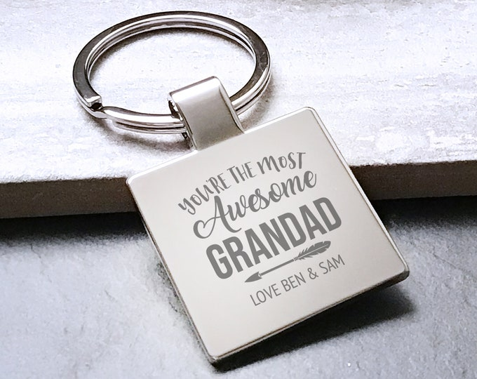 Personalised engraved AWESOME GRANDAD keyring gift, Father's Day gift metal key chain - 5580AWE3
