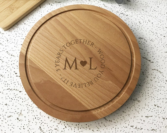 Personalised 5th wedding anniversary gift, beech wood chopping board, bread board kitchen gift idea, 5 years together CHP1