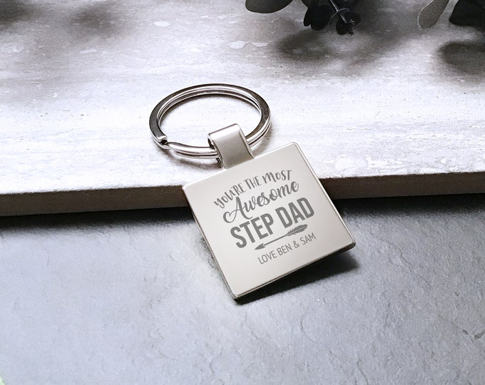 Personalised engraved AWESOME STEP DAD keyring gift, Father's Day gift metal key chain - 5580AWE5