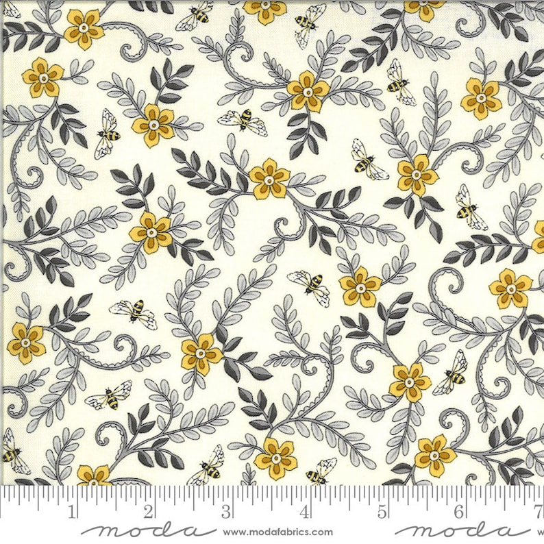 12 yard continuous cuts Bee Grateful color Parchment by Deb Strain 19964.11 Flower Vines and Bees