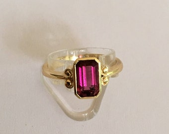 18 Ct Gold 1.3ct Ruby Solitaire