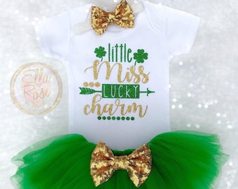 48687a0c1924 St. Patrick's Day Baby Girl Outfit / Lucky Charm Outfit / Little Miss Lucky  Charm / St. Paddy's Day / Green Tutu / Baby Headband