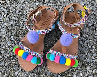 560b082251446 Handmade Sandals