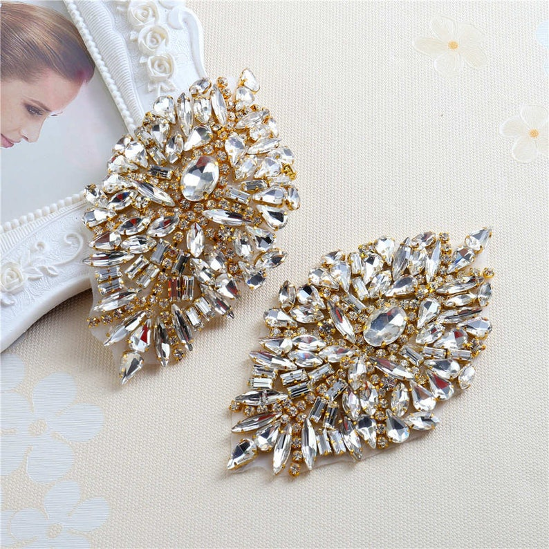 One Pair Rhinestone Iron On Patch Motif Applique DIY Crystals  725a9ce50115