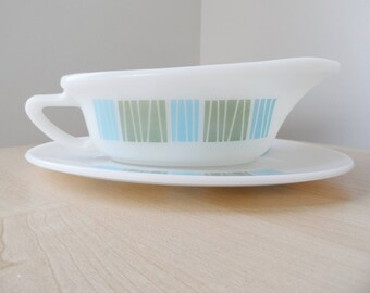 JAJ Pyrex Matchmaker gravy boat/saucer boat and underplate turquoise and green