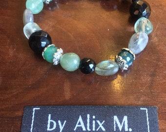 Baroque bracelet in natural fine stones