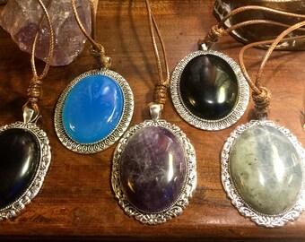 Grand Pendentif argenté vintage avec cordon en Obsidienne / Améthyste / Labradorite / Agate bleue