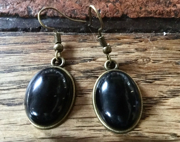 Featured listing image: Vintage obsidian earrings