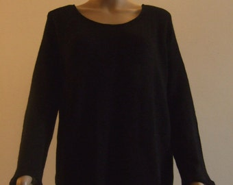 The sweater tunic in fine wire soft tulle bordered black Merino