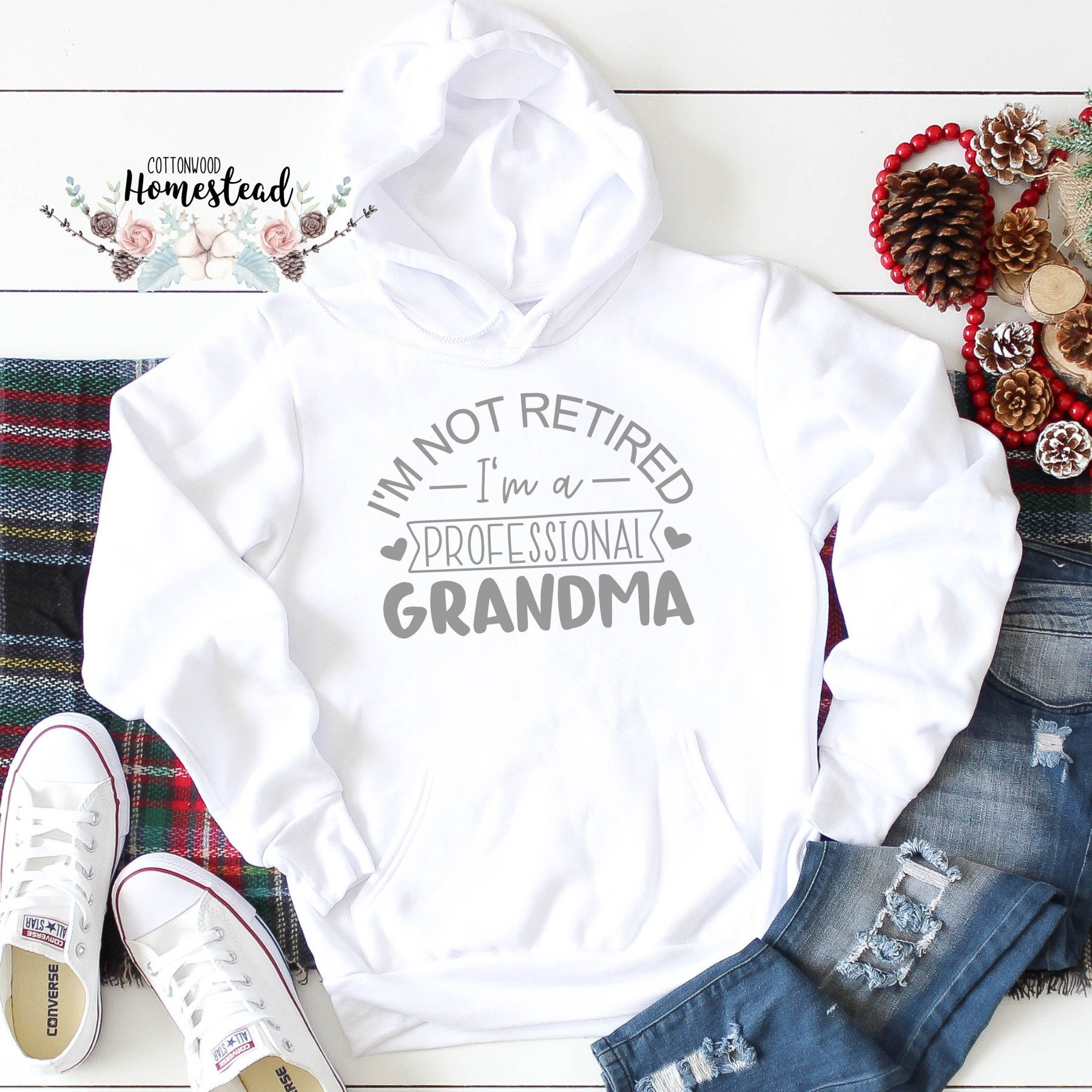 Grandma Not Retired Sweatshirt Gildan 8Oz Heavy Blend Hoodie Pullover 50/% Polyester 50/% Cotton