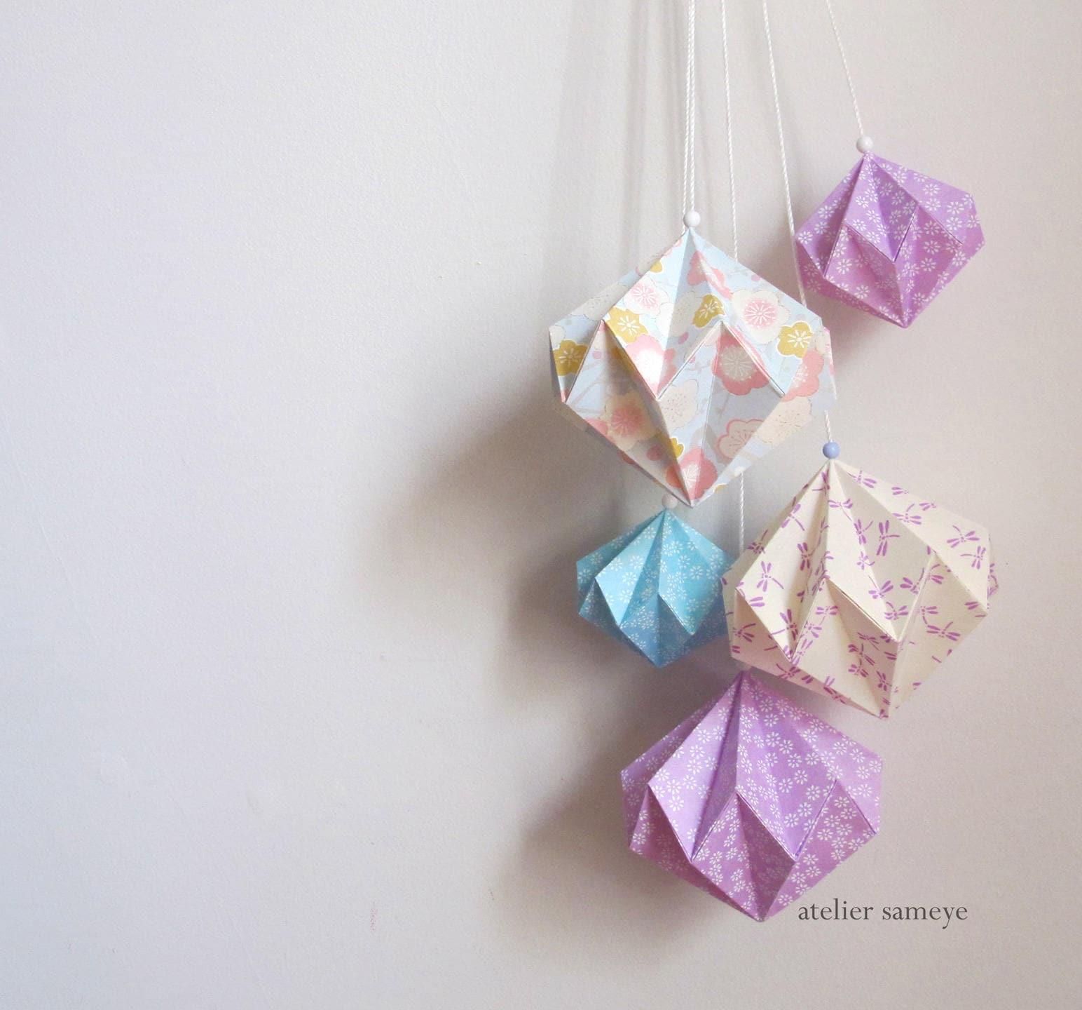d coration murale grappe diamants origami mauve libellule. Black Bedroom Furniture Sets. Home Design Ideas