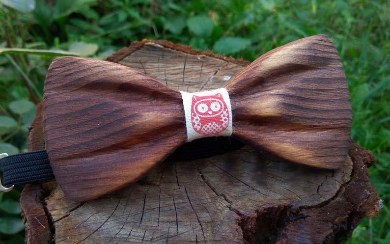 b921df30477a Wooden Bow Tie 3D Ukrainian Owl / Unique Design / Gift For Men | Etsy