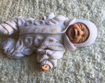 b0ccca724 Knitted baby clothes