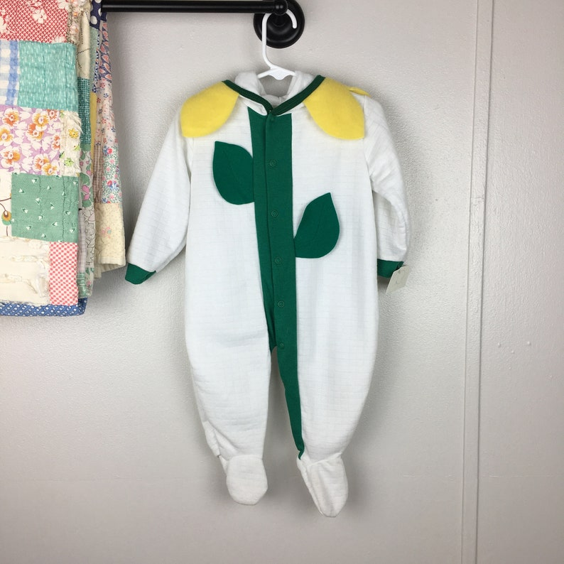 f20937afa Vintage NWT Baby Easter Outfit 6M 9M Unisex Boys Girls Flower