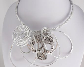 Big,Bold,Chunky.Silver wire statement necklace.Unique and Funky.