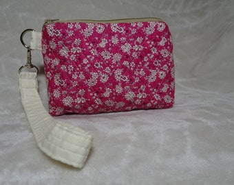 Quilted bag with strap