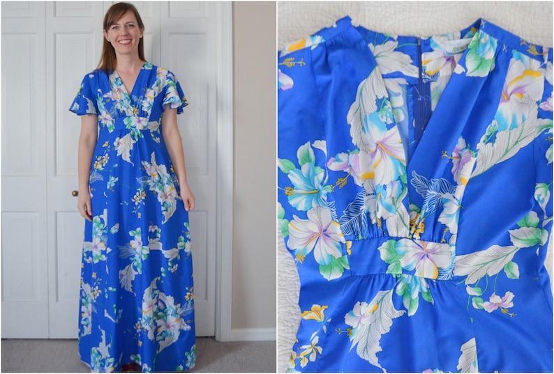 387e32033607 Vintage Hawaiian Floral Print Blue Maxi Dress / Empire Waist | Etsy