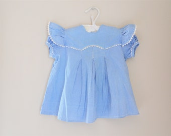 Toddler Girls' Vintage Blue and White Dress / 50s 60s Button Back Short Sleeve Sz 24 Month Dress / Blue Square Pattern Dress Ruffle Sleeve