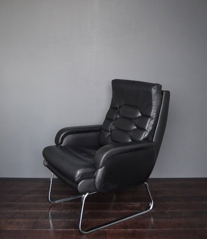 Original Vintage Retro Mid Century Black Leatherette & Chrome Armchair Lounge Chair Chair