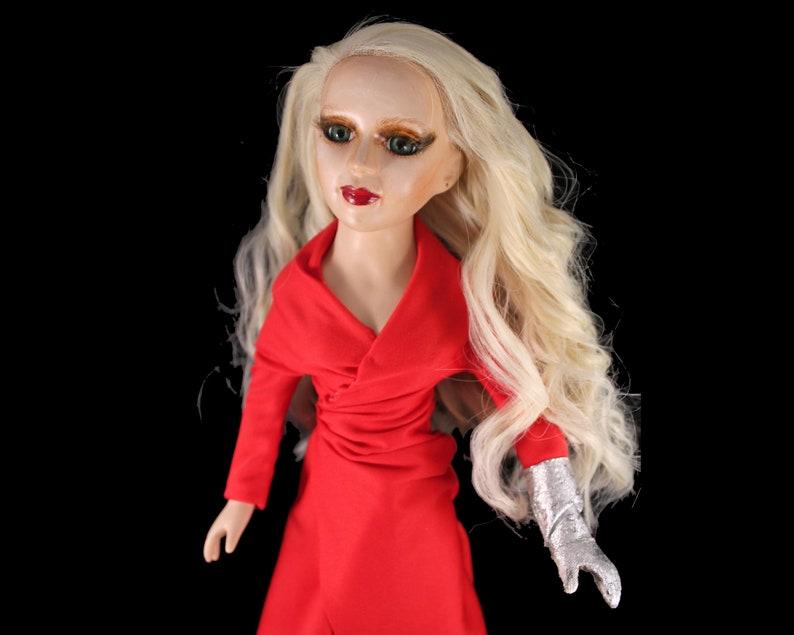 промо фото куклы гага для меня вопрос