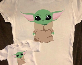 Girl & Doll Matching Standing Baby Yoda The Child Mandalorian Tshirts
