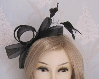 Black Looped Fascinator on Headband with Coq Plume Bridal Prom Races Hats Side Fascinator Mini Hat Feather Headpiece Kentucky Derby