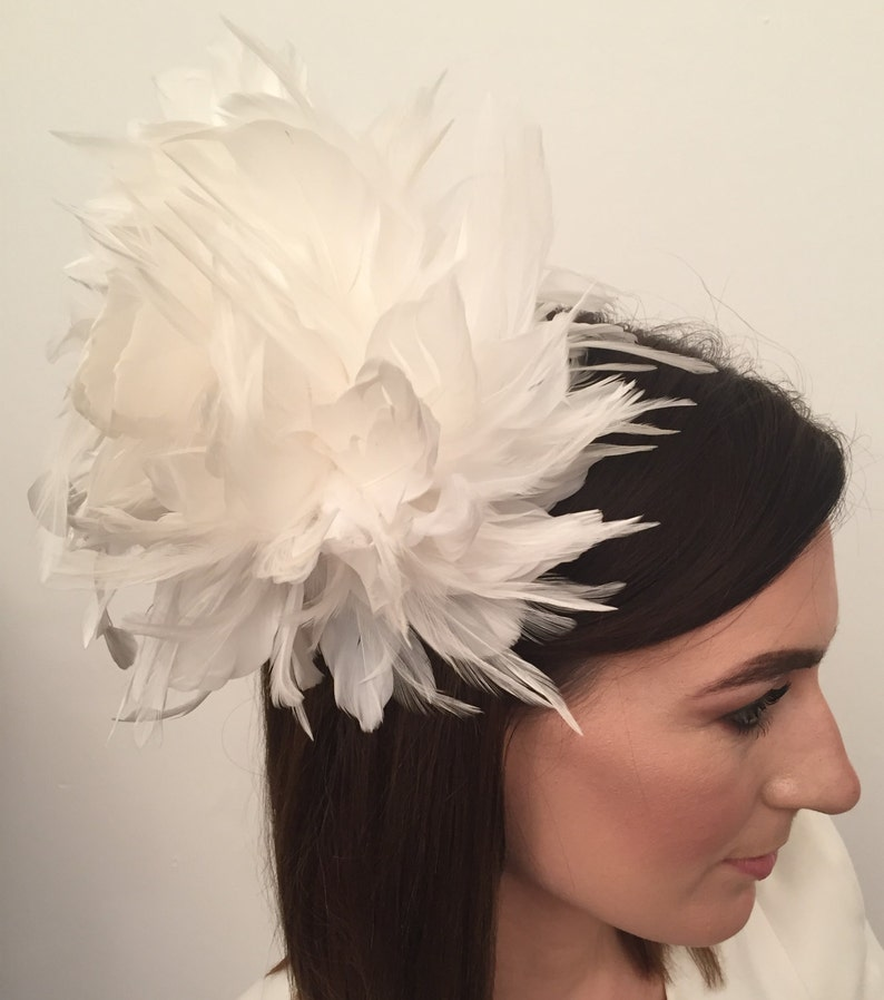 races White flower lace feather /& beadin fascinator headband for weddings prom