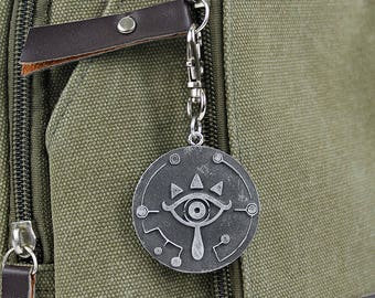 Zelda Sheikah Eye Legend of Zelda Breath of the Wild Necklace - Nintendo/Zelda Gift