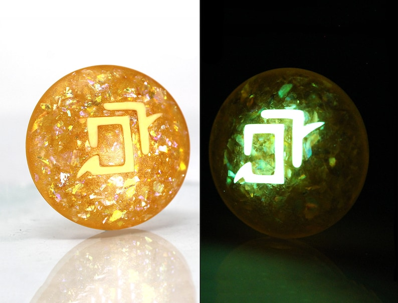 e6757448db1b3 Twinkle Astrologian FFXIV Glow in the Dark Soul Crystal AST