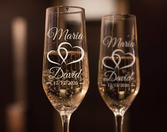 Set of 2, Hearts Wedding Champagne Flutes, Personalized Champagne Flute Wedding Favors, Custom Bride and Groom Champagne Glasses #N9