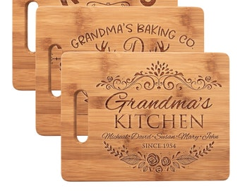 Christmas Gift for Women, Personalized Bamboo Cutting Board for Mother, Kitchen Décor - Gift for Her, Grandma, Aunt, Wife, Chef Presents