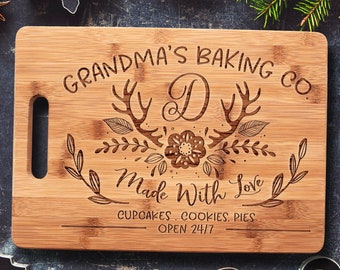 Mother's Day Gift for Women, Personalized Bamboo Mother Cutting Board, Personalized Gift for Mom, Her, Grandma, Aunt, Wife, Chef, Granny
